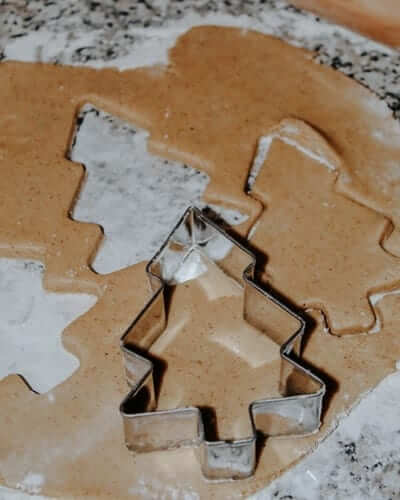 How to make Cannabis Gingerbread Cookies